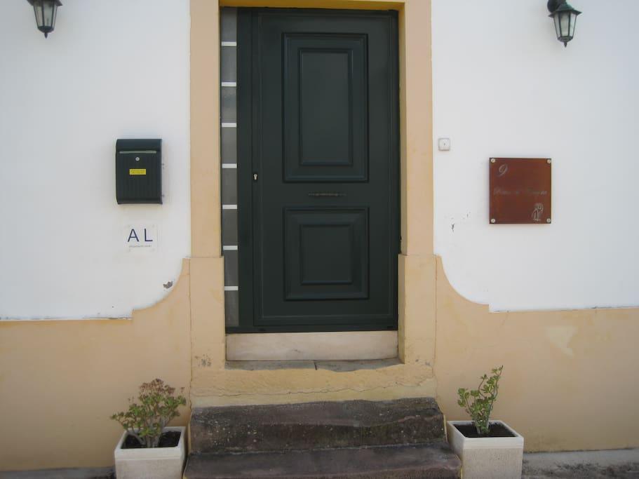 Porta da frente / Front door / Entrée principale