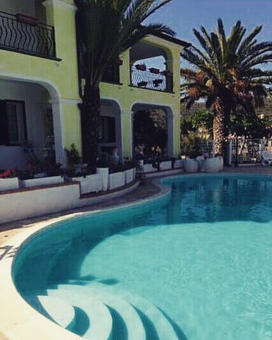 POOL FRONT APARTMENT