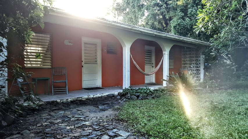 Hura - Historical Cottage in Forest - Christiansted - Byt