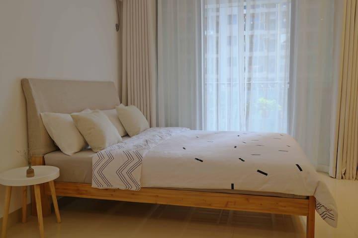 (楼下即地铁)南宁火车站朝阳市中心机场大巴带投影新公寓 clean flat. - Nanning Shi - Townhouse