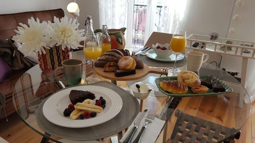 Wanderlust Liberdade II --» 1st Breakfast FREE!