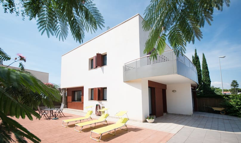 116D - AMAZING HOUSE WITH SEA VIEWS - Cambrils - House