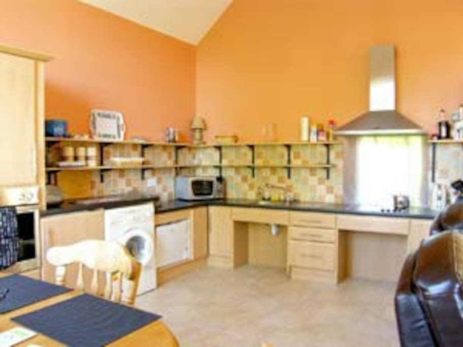 thomastown dating Rent this 2 bedroom cottage in thomastown for $64/night has central heating and outdoor dining area read 32 reviews and view 15 photos from tripadvisor.