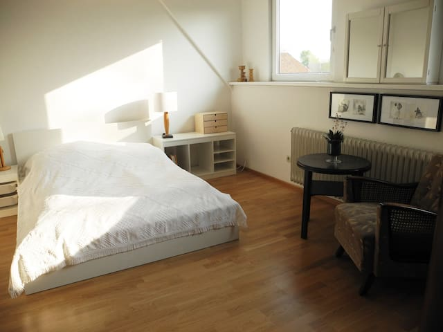 Gemütliche 3-Zimmer-Wohnung - Isernhagen - Apartment