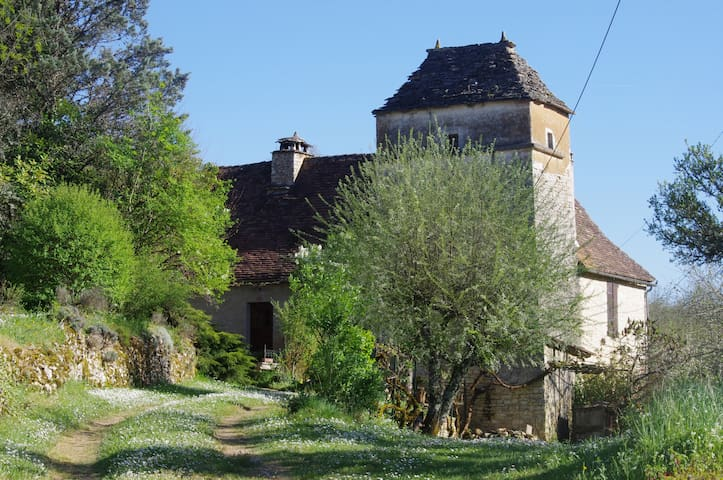 Unique house close to Lot& Dordogne - Salviac - Huis