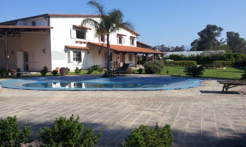 Selezionatissima Villa Con Piscina  - Sabaudia - Villa