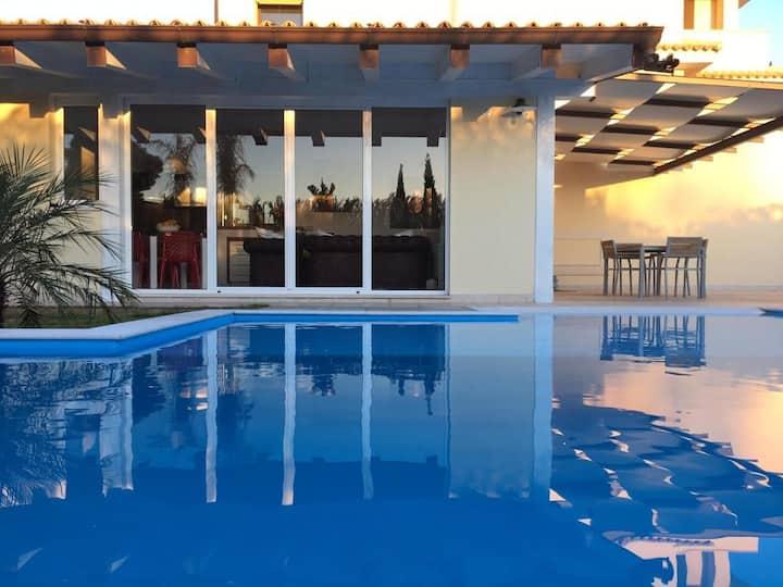 CASA ALOE con piscina privata 6 km da Siracusa
