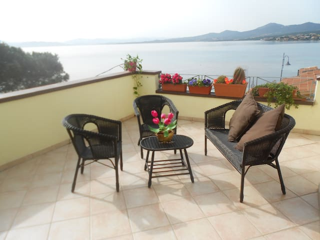 Suite with big terrace sea view - Golfo Aranci - Bed & Breakfast