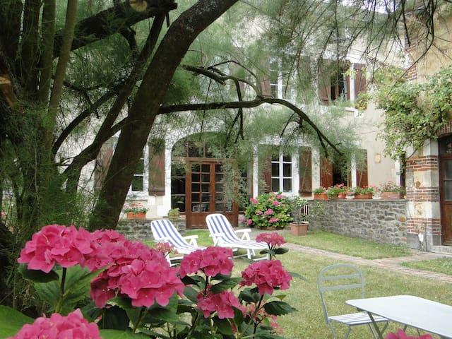 maison de Fontaines - Fontaines