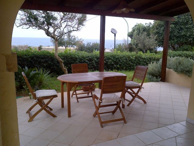 House with garden sea front - Santa Cesarea Terme - Ev