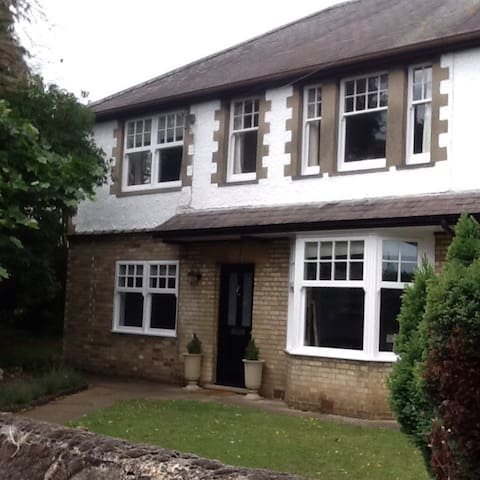 Peaceful house close to town centre - Stamford - Hus