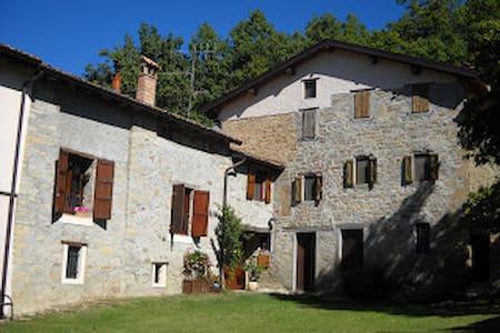 Castagneda, una casa nel bosco - Carpineti