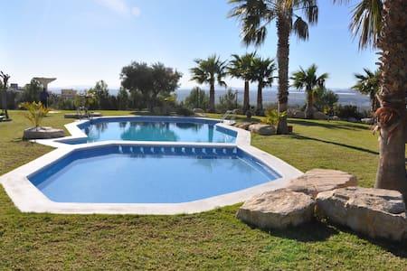 Piso en golf con vistas a la bahía de Alicante - Mutxamel