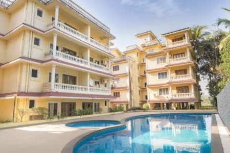 Comfy Poolview Apartment near Calangute North Goa
