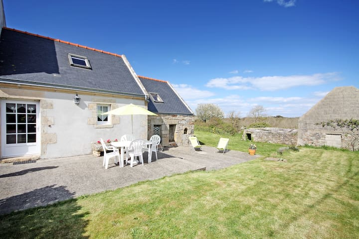 Breton house 500 m from the sea - Beuzec-Cap-Sizun - Huis