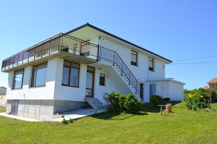 Casa con vistas mar y montaña