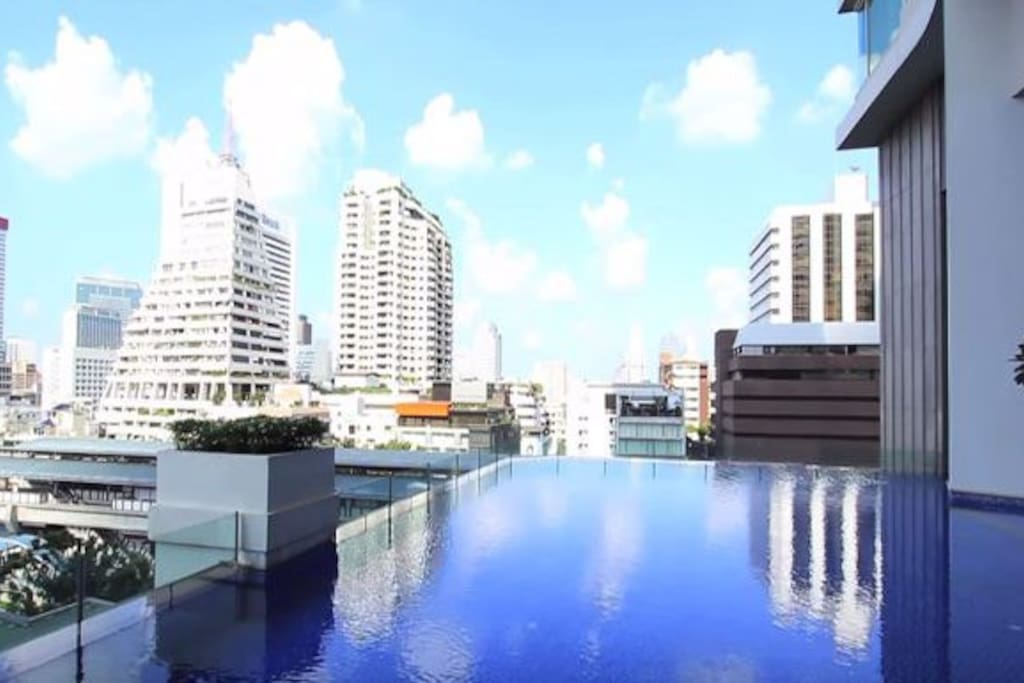 Stayhere Infinity Tower Free Parking Fort Bgc