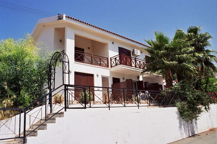 Villa 250 m from Pissouri Beach