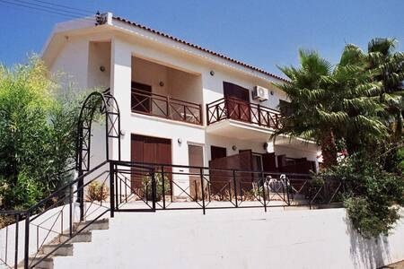 Villa 250 m from Pissouri Beach