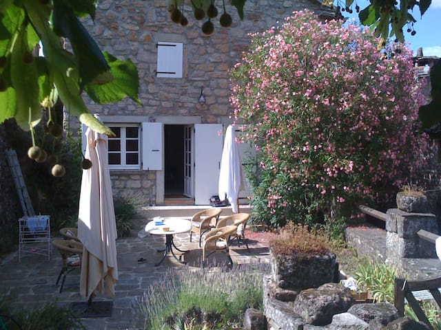 Villa Macampo - Les Salelles - Maison
