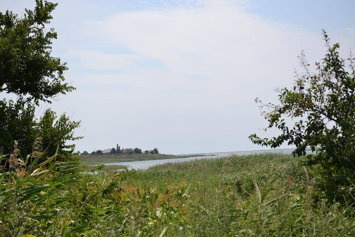 Дом на берегу Аккембетского залива