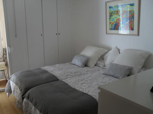 Lovely+peaceful bedroom by the sea - Calvià - Apartamento