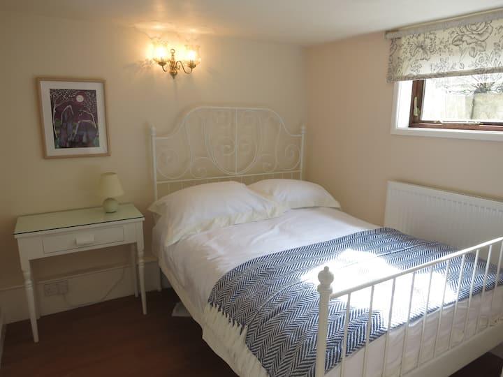 Avebury Countryside Apartment