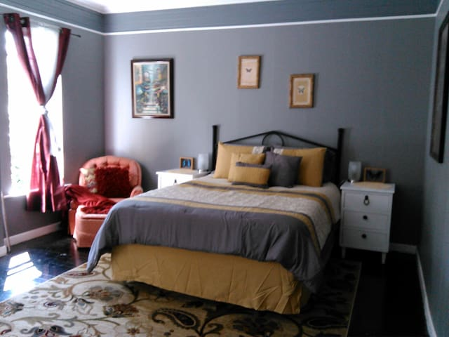 Luxurious Bedroom - Nehalem - Hus