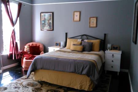 Luxurious Bedroom - Nehalem - Rumah