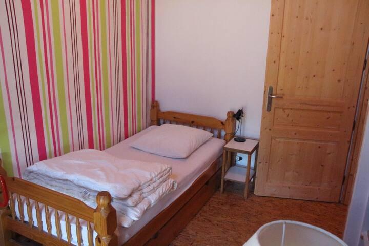 La chambre 3 avec un lit 1 place