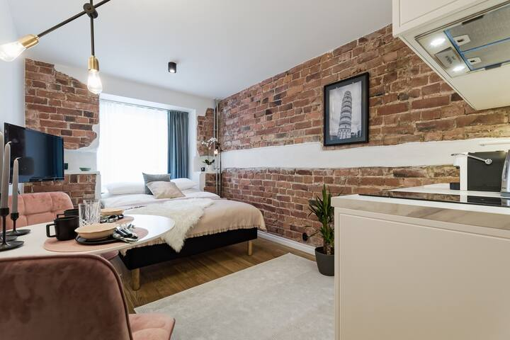 Chic & cozy home 5 min from Old Town!
