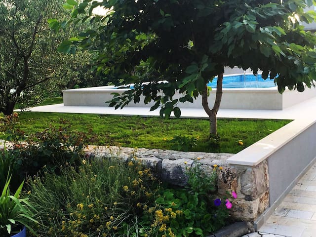 Get relaxed in charming villa Mare - Imotski - Villa