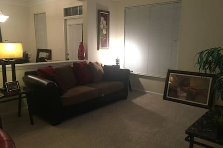 Exotic home away from home - Kennesaw - Daire