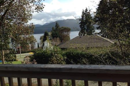 3 BR cabin w/ view of Lake Cowichan - Youbou