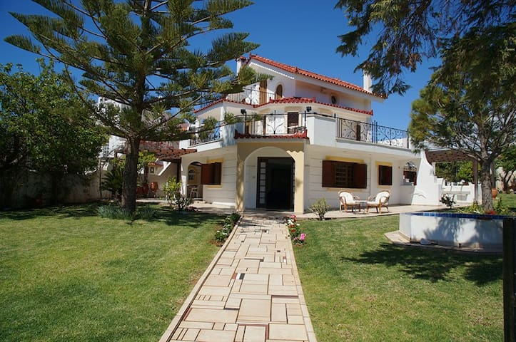 Beautiful House with Sea View - Thimari - Huis