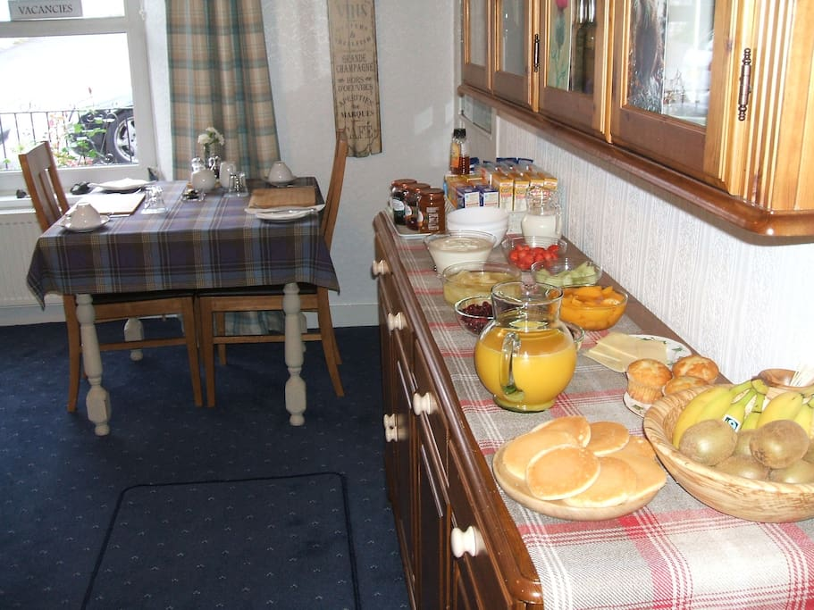 Dining Room and Breakfast Buffet