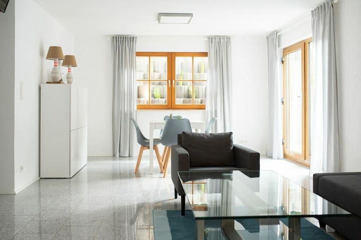 Modernes 2 Zimmer- Apartment an A81