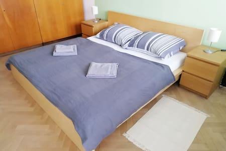Sunny apartment in quiet location