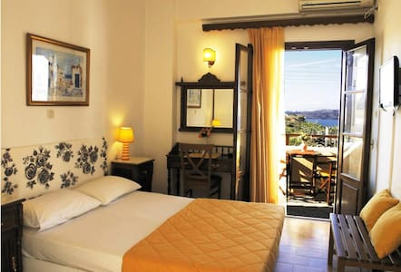 Cozy double room 1 , sea view. - Akrotiri - Boutique-Hotel