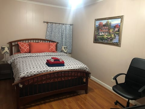 Amazing room;Mins to EWR/Rutgers/Penn Station/Prud
