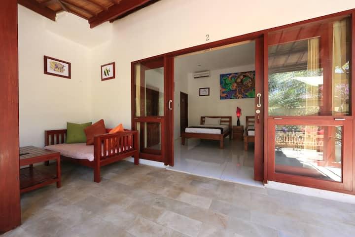 Aaliku room 2, Pool & great location!