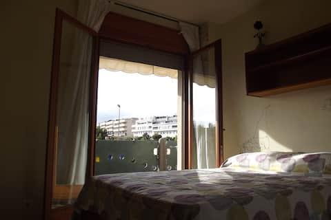 Habitación doble con balcón.