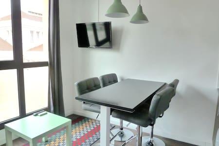 MODERN APARTMENT! WIFI & TERRACE! F - Hospitalet de Llobregat - Appartamento
