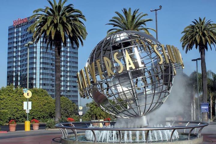 Private Bungalow Near Universal Studios