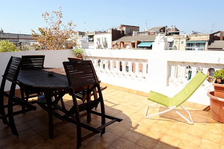 Cozy room with terrace in Poble Sec - Barcelona - Flat