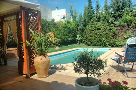 Villa 500m beach and near Barcelona with train. - Cunit