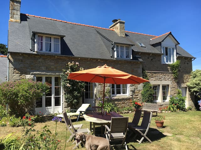 Maison en pierre typique bretonne proche de la mer houses for rent in penv - Maison typique bretonne ...