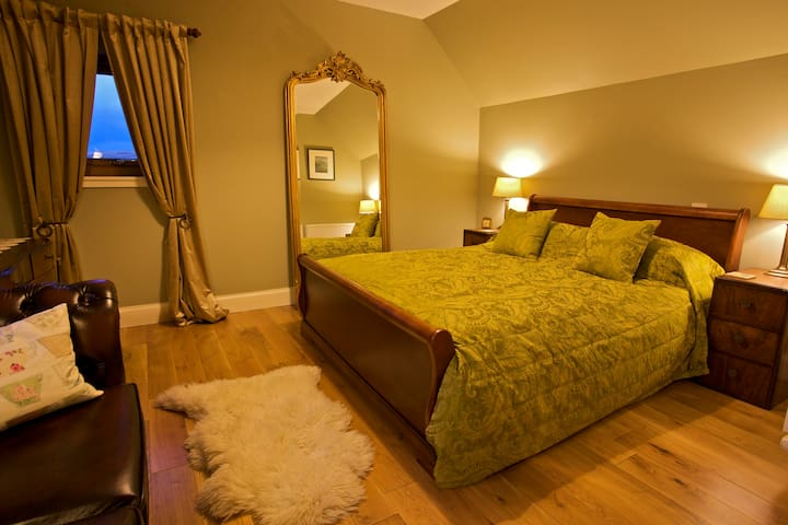 Bealach Uige Luxury Bed & Breakfast - Staffin - Bed & Breakfast