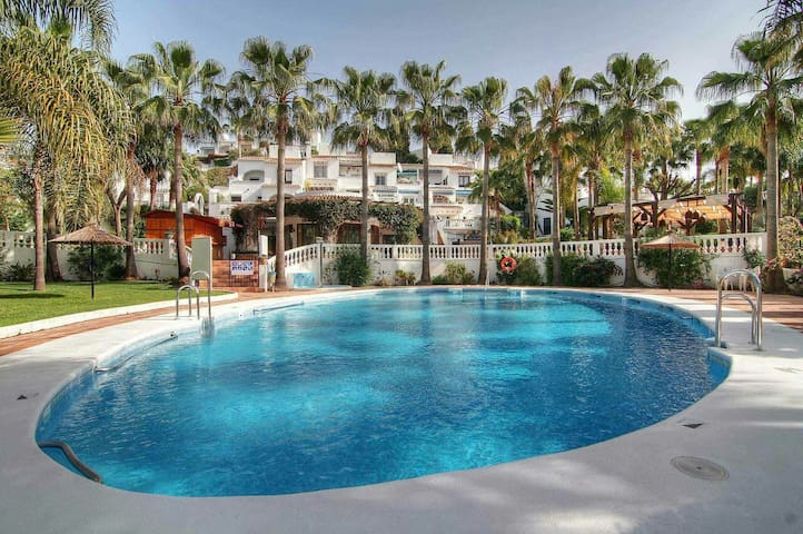 2 Bedroom Oasis Apartment - Nerja - Leilighet