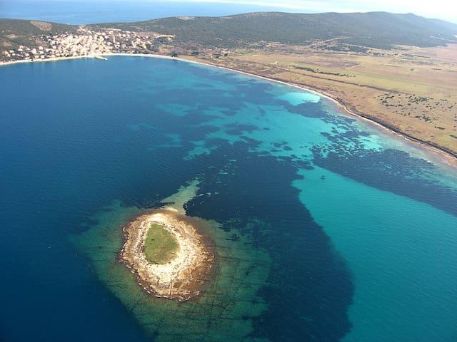 Remote Island, Relaxing Getaway - Unije - Hus